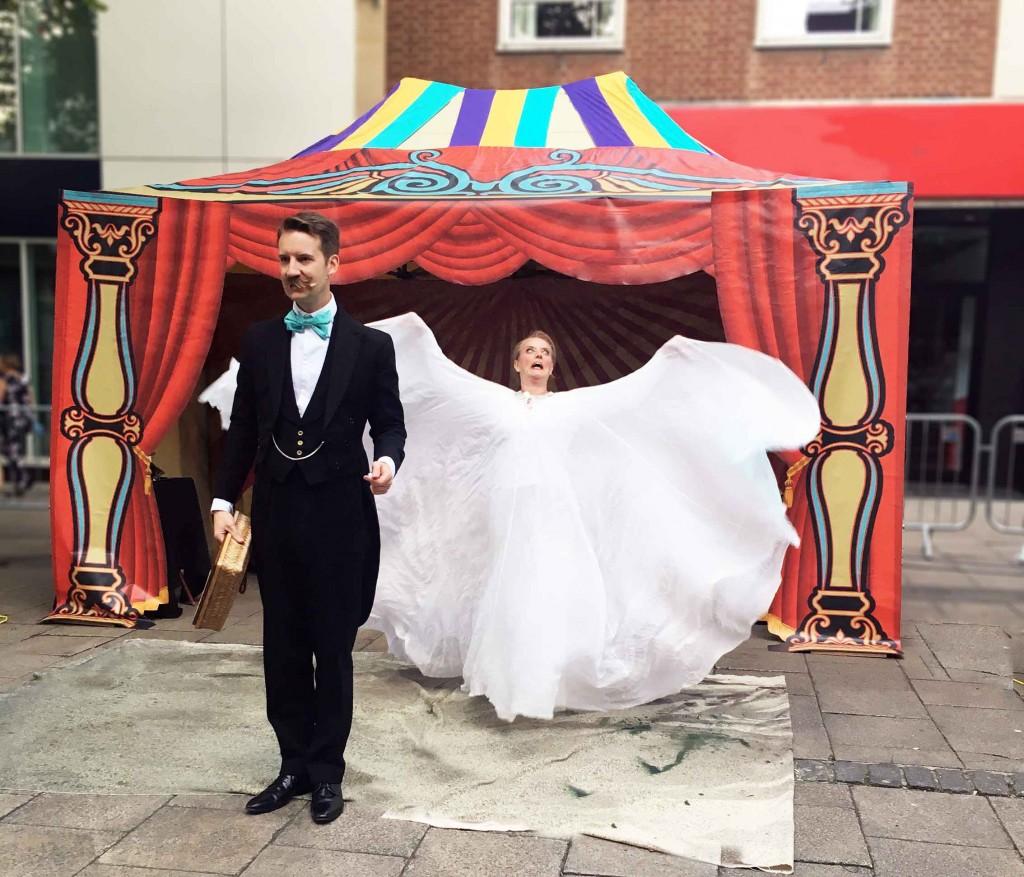 Magic street theatre Norvil & Josephine