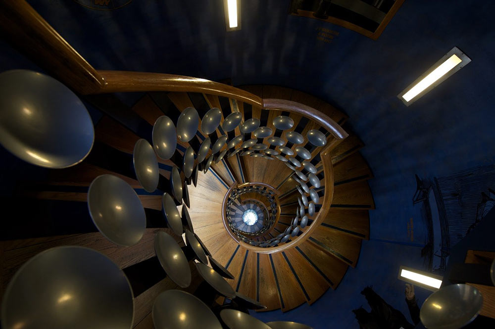 magic circle magician secrets on the famous staircase