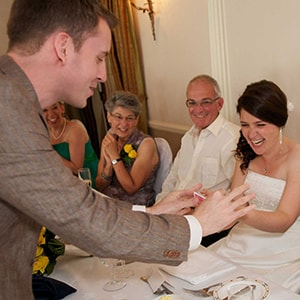 London wedding bride marvels at magician.